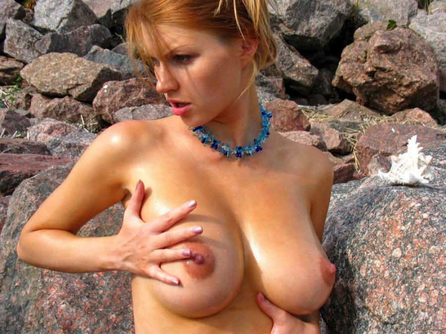 Maria D Naked Big Titted Maria  On The Beach Images 284778