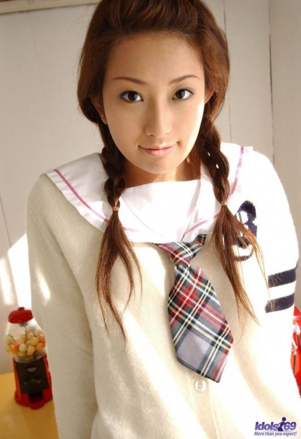 Nao Yoshizaki Schoolgirl cutie Images 296847