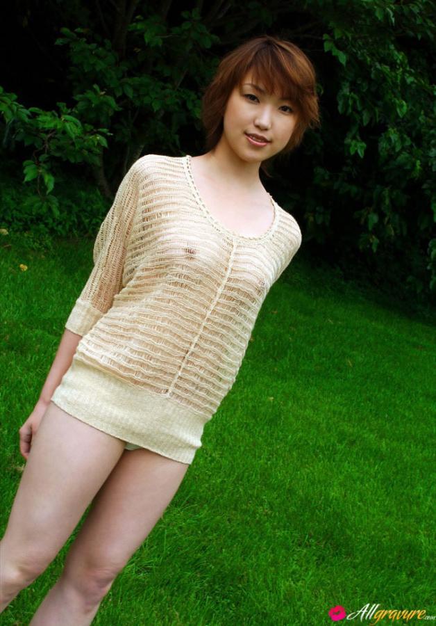 Model madoka kikuhara in see through sweater ii Images 168234