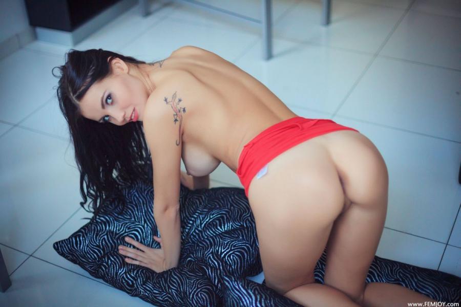 Jennifer M Jennifer Is Taking Off Her Red Skirt Images 173250