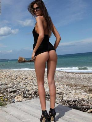 Barbara Horny Brunette On The Sea Shore