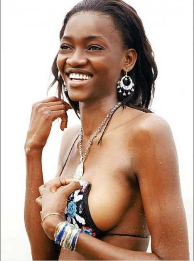 Oluchi Onweagba Ebony Chick With Perfect Natural Boobs Images 192237