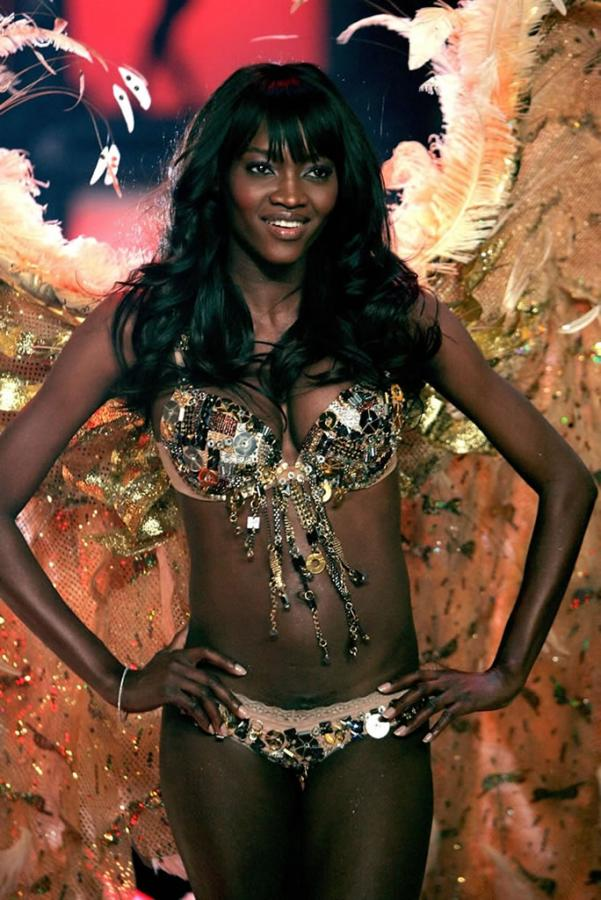 Oluchi Onweagba Ebony Chick With Perfect Natural Boobs Images 192241