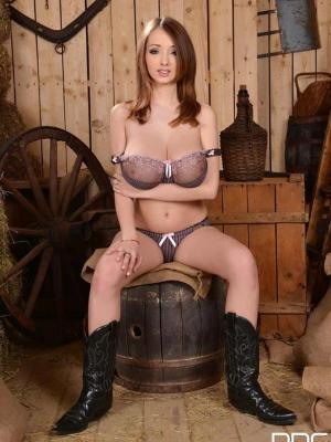 Lucie Wilde Huge Boobs On Cowgirl